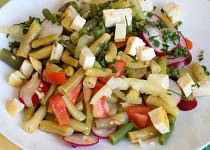 Fazolkový salát s kozím sýrem