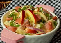 Matjesový salát se sýrem a jablkem
