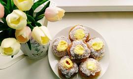 Norské buchtičky s vanilkovým krémem a kokosem
