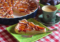 Švestkový koláč s krupicovým krémem