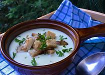 Sýrová polévka s hlívou a krutonky