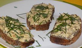 Pomazánka z tofu se slunečnicovými semínky a vejci