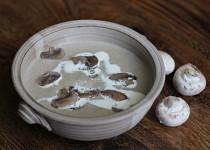 Žampiónová polévka veganská
