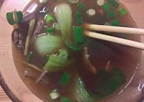 Čínská polévka s vepřovými játry