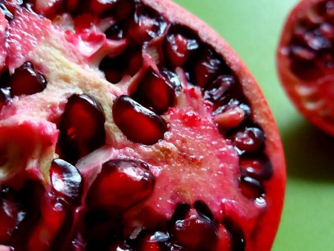 Pečený lilek s granátovým jablkem