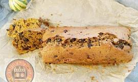 Dýňový chlebíček s čokoládou/ořechy