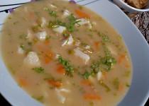 Polévka z tresky s chlebovými krutony