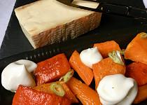 Pečená zelenina se sýrovou pěnou