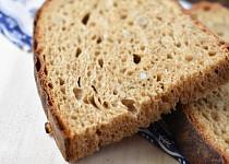 Slunečnicový chléb s melasou