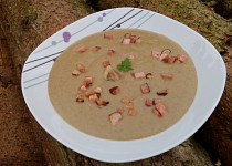 Žampionová krémová polévka se slaninou