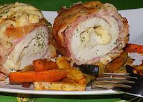 Kuřecí smažená roláda se sýrem a oravskou slaninou