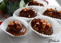 Ořechové oválky s karamelovým krémem