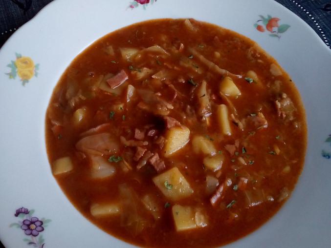 Vydatná zelná polévka
