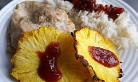 Grilovaná kuřecí prsa s grilovaným ananasem