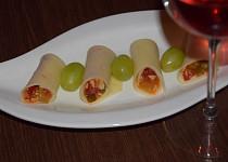 Pikantní závitky k vínu