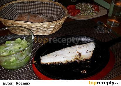 Přírodní filet z candáta na litinové pánvi