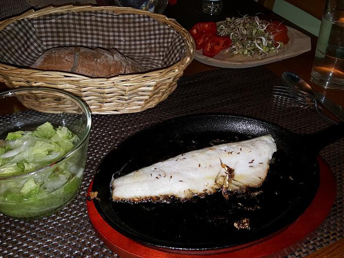 Přírodní filet z candáta na litinové pánvi (bez tuku)