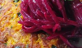 Dýňové placičky se salátkem z červené řepy