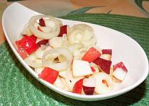 Jablečný salát s cibulí