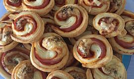 Pizza šneky z listového těsta (slané)
