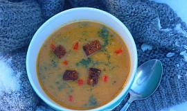 Polévka z celeru pečeného s uzenou paprikou