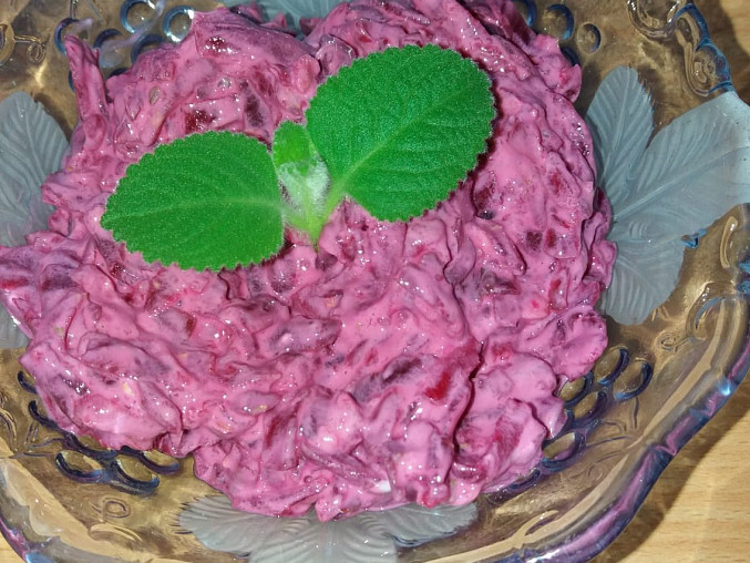 Salát z červené řepy s jogurtem