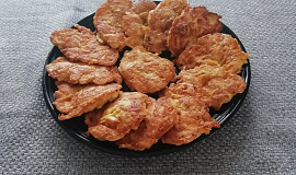Sýrové placky s kuřecím masem