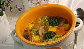 Kapustovo-brokolicová polévka se žampiony
