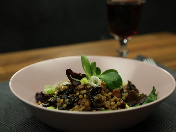Tarhoňa s uzeným masem a sušenými houbami