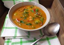 Kapustičková polévka  s cizrnou a houbami