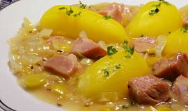 Uzené maso v pórkovo-cibulovém zelí