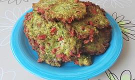 Brokolicové placičky se salámem