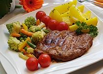 Minutková marinovaná krkovice s máslovou zeleninou