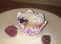 Muffiny s ovocem ze zakysanou smetanou