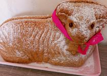 Nejlepší beránek z ořechovo-piškotového těsta