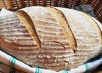 Obyčejný pšenično-žitný chléb s kynutím v chladničce
