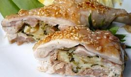 Plněná a pečená kuřecí stehna