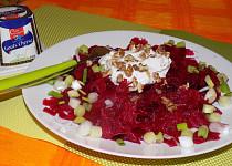 Salát z červené řepy s čerstvým kozím sýrem