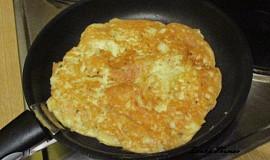 Sýrová omeleta s bazalkou