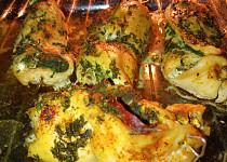Plněná kuřecí prsa špenátem, šunkou a cottagem