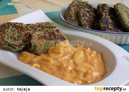 Mangoldové (špenátové) placičky s cibulovou omáčkou