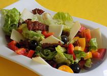 Salát ze sušených rajčat