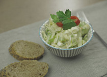 Vaječný salát s řapíkatým celerem