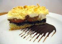 Drobenkový koláč s mákem, ovocem a tvarohem