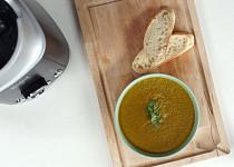 Houbová polévka se zakysanou smetanou