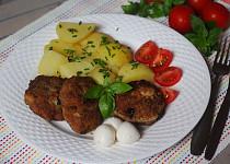Krůtí placičky se sušenými rajčátky plněné mozzarellou