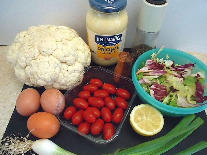 Květákový salát s vejci
