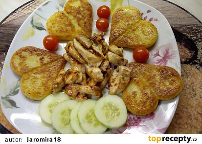 Bramboráčky s kuřecími hranolky
