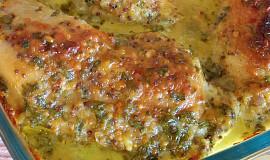 Pečená kuřecí stehna v hořčičné marinádě