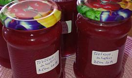 Třešňovo - jahodový džem s kousky ovoce